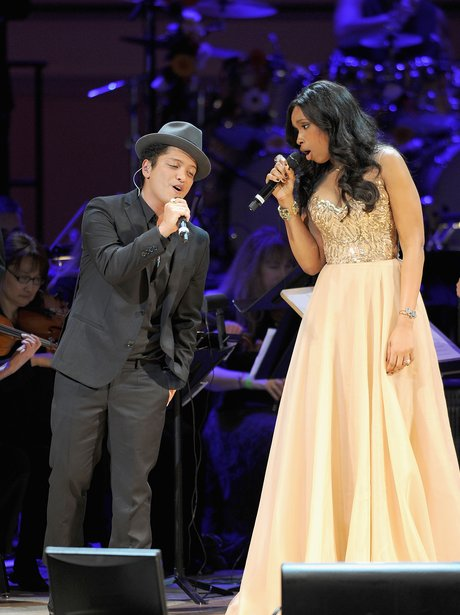 Bruno Mars and Jennifer Hudson perform