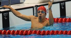 Jonathan Fox celebrates his world record