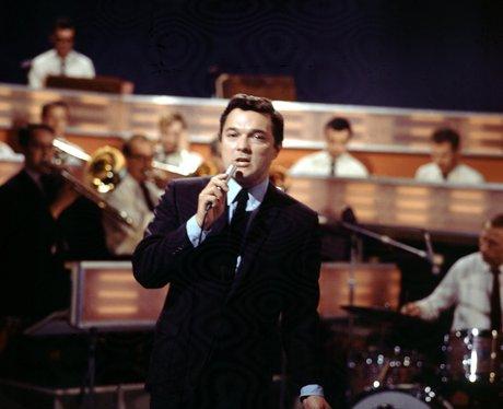 1955 Dickie Valentine: Christmas Alphabet - Every Christmas No. 1 Ever - Heart