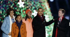 Barack Obama sings Santa Claus is Coming to Town