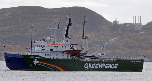 Arctic Sunrise escorted in Russia