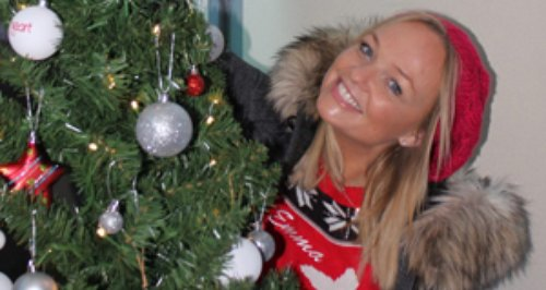 Emma Bunton decorating a tree