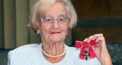 Worthing actress dies aged 95