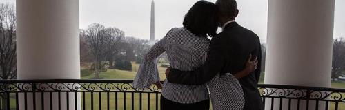 Michelle and Barack Obama take a last tour around