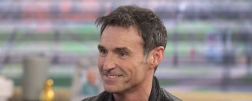 Marti Pellow wet wet wet Good Morning Sofa