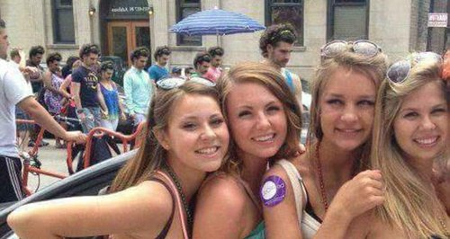four Girls holiday snap optical illusion